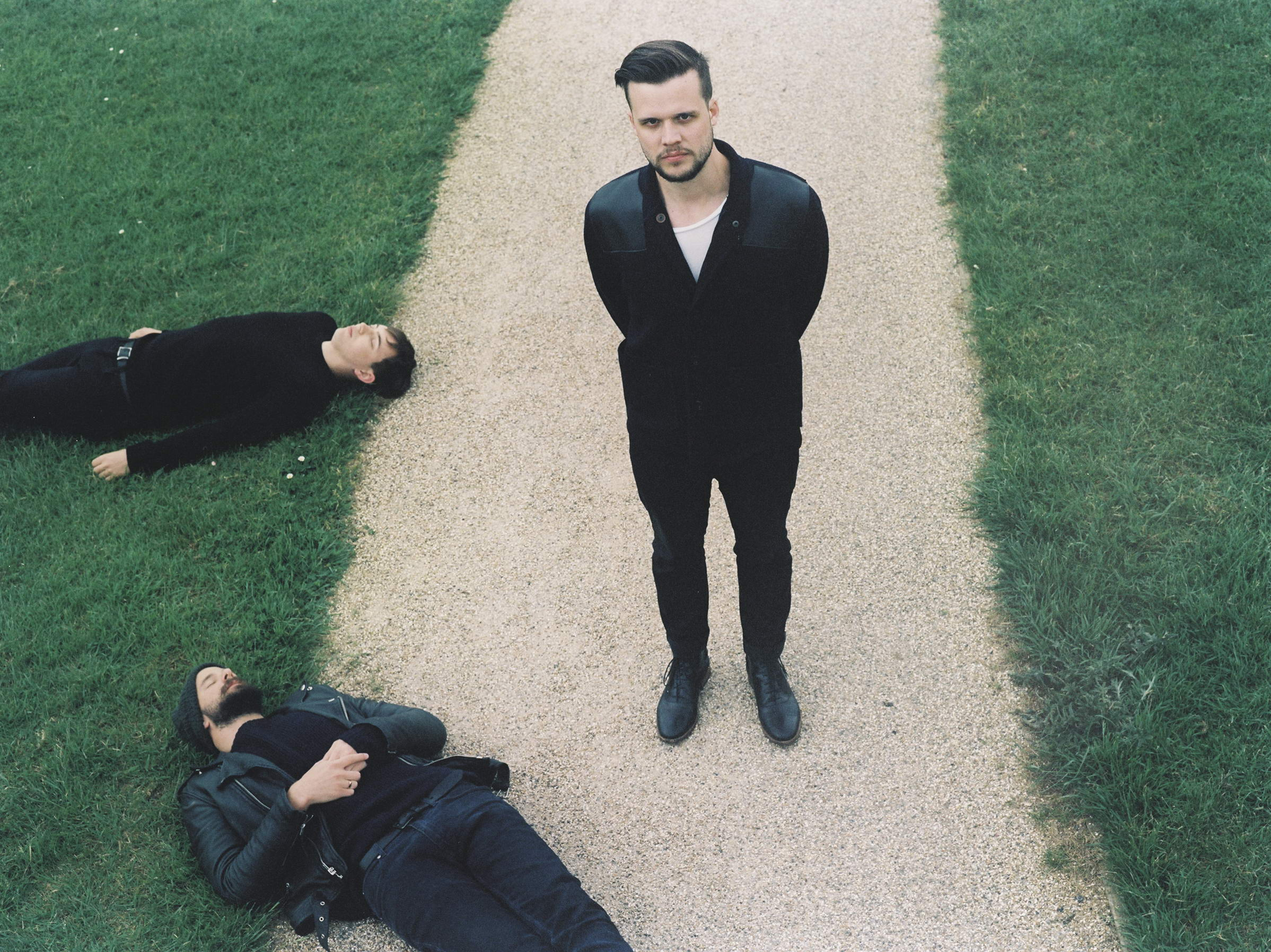 white lies White lies official website touch or click the walkways, or use the arrow keys to move.